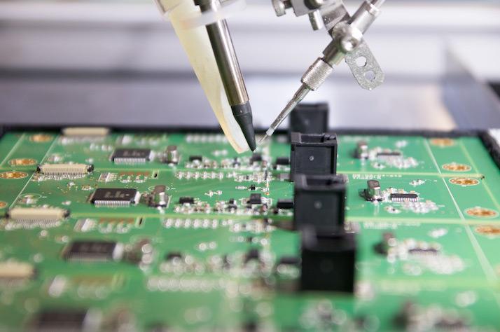 Elektronikfertigung, Lötroboter, Lötspitze, Lötstelle