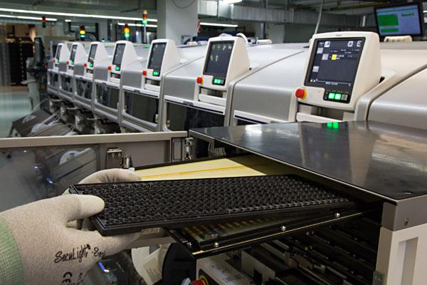 Elektronikfertigung, Leiterplattenbestückung in hoher Qualität
