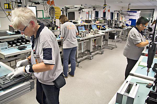 Gerätemontage, Montageteams, Verbesserungsroutinen